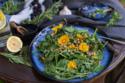 Wildkräutersalat mit essbaren Blüten © Catrin Neumayer   Cooking Catrin