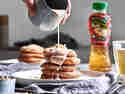 Apfelküchlein mit Mandel-Zimt-Sauce