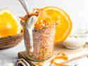 Bulgur-Karotten-Orangen-Salat mit gewürztem Joghurt © Sarah Renziehausen | Feiertäglich
