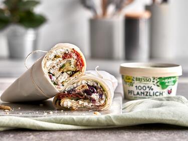 Wrap mit veganem Frischkäse mit Kräutern aus der Provence und Gemüse