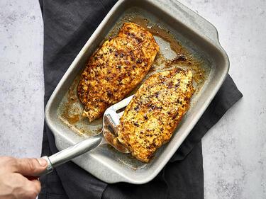 Hähnchenbrustfilet aus dem Ofen in Auflaufform