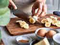 Schritt 2: Bananen schneiden
