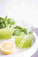 Sommerdrinks_Gin Basil_Smash_DieSeelenschmeichelei_article