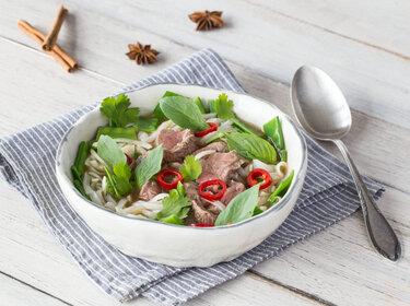 Pho Bo – vietnamesische Nudelsuppe mit Rindfleisch