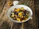 Mediterraner Kartoffelsalat mit rauchigem Zitronen-Dressing