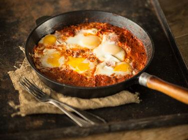 Shakshuka all'arrabiata – Eier in pikanter Tomatensauce