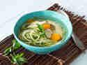 Hühnersuppe mit Zucchini-Nudelen_mag