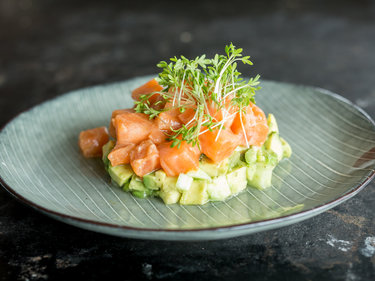 lachs ceviche mit avocado salat. Black Bedroom Furniture Sets. Home Design Ideas