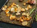 Topinambur Chips mit Meersalt und Rosmarin