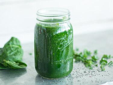 Grüner Smoothie mit Chia-Samen