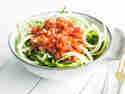 Zucchini-Spaghetti mit veganer Bolognese