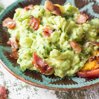 feierabendrolle lachs guacamole wraps mit bacon. Black Bedroom Furniture Sets. Home Design Ideas
