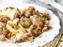 Sämiges Kalbsgulasch mit Pilzen und Bandnudeln