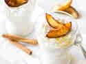 Chia-Pudding mit gerösteten Zimt-Nektarinen