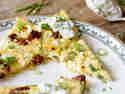 Ofenpfannkuchen mit Zucchini und Feta