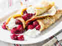 Milchreis-Pfannkuchen mit Kirschkompott