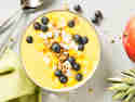 Smoothie Bowl mit Mango