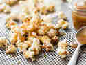 Gesalzenes Karamell-Popcorn