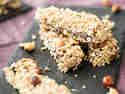 Nüsse satt: Quinoa-Haselnuss-Riegel