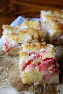 Erdbeer-Rhabarber-Kuchen mit Makronenguss © Experimente aus meiner Küche