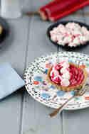 Pochierte Rhabarbertartelettes © Foodistas
