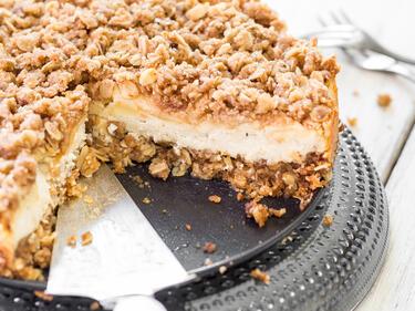 Apfel Cheesecake Mit Haferflockenstreuseln