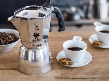 espressokocher so verwendest du ihn richtig. Black Bedroom Furniture Sets. Home Design Ideas