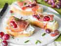 Bruschetta Trauben und Schinken