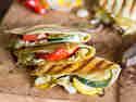Veggie-Quesadillas mit Grillgemüse und Ziegenkäse