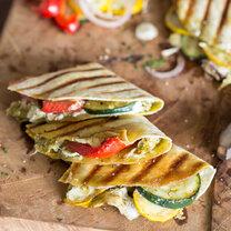 Veggie Quesadillas mit Grillgemüse und Ziegenkäse_featured