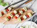 Zucchini-Feta-Spieße vom Grill