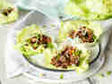 Asiatische Low-Carb-Wraps