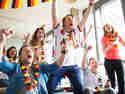 Weil Liebe durch den Magen geht und Fußballliebe ganz besonders - das Springlane-Team beim Mitfiebern.
