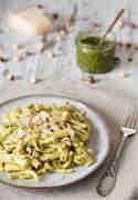 Frische Pasta trifft auf selbstgemachtes Pesto © Kleines Kulinarium