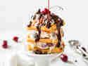 Waffel Ice Cream Sandwich à la Schwarzwälder Kirsch