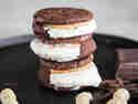 Coole Doppeldecker! Ice Cream Sandwiches mit Erdnussbutter