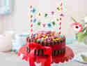 Kunterbunt und kinderleicht: KitKat-Geburtstagskuchen