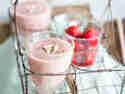 Banane Erdbeer Smoothie mit Mandelmilch