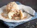 Süße Quarkknödel mit flüssigem Schokokern und Zimt-Bröseln