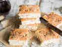 Crescenta bolognese: Focaccia mit Speckwürfeln