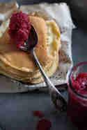 Mini-Pfannkuchen mit Apfelmus © Mari e Ola