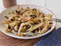 Sarde in Saòr: Sardinen in süßsauerer Marinade