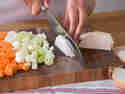 Suppengrün und Schmorfleisch: Die perfekte Basis für deine Sauce.