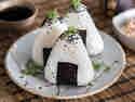 Der Snack aus Sushireis: Japanische Onigiri
