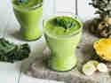 Für den grünen Powerkick: Grünkohl-Ananas-Smoothie