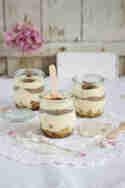Thai-Basilikum-Birnen-Kompott an weißer Schokoladen-Mousse © Lisbeths Cupcakes and Cookies