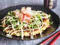 Okonomiyaki – Japanischer Pfannkuchen mit Bonito und Seetang