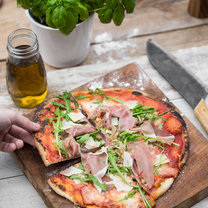 Pizza Parma_featured