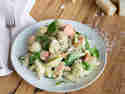 Muschelnudeln mit Lachs in cremiger Spinat-Pesto-Sauce