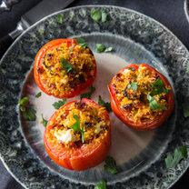 Gefüllte Tomaten mit Couscous_featured